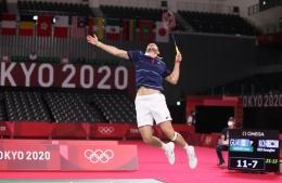 Aksi Kevin Cordon saat mengalahkan pemain Korea Selatan di perempat final: bwfbadminton.com