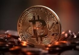 Bitcoin Tembus $40.000   Source : Pixabay