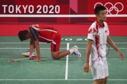 Anthony Ginting dikalahkan Chen Long di semifinal bulu tangkis Olimpiade Tokyo 2020. (Foto: REUTERS/Hamad I Mohammed)
