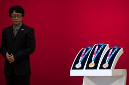 Pendesain medali Olimpiade Tokyo 2020 Junichi Kawanishi. Photo : Tokyo Olympic