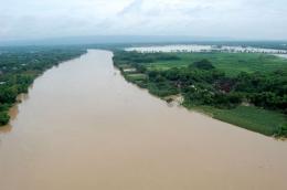 Ilustrasi, Sungai Bengawan Solo. Sumber: Surabaya.net