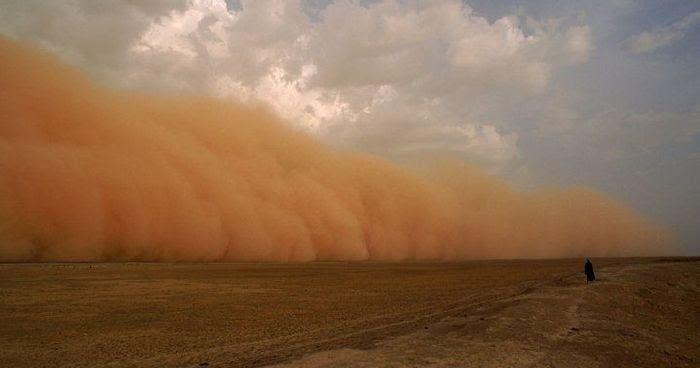 Angin panas di gurun. Sumber: Iran Wire
