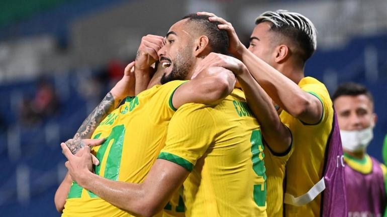 Pemain Brazil merayakan gol ke gawang Mesir. (via eurosport.com)