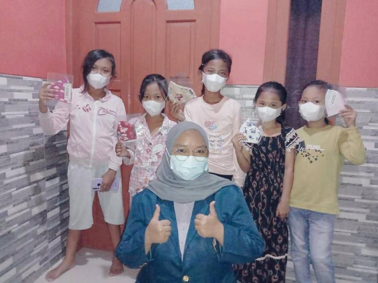 Pembagian Masker ke Warga Desa Dukutalit/Dokpri
