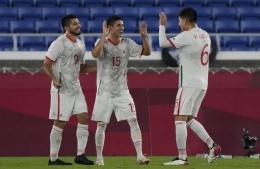 Pemain Meksiko merayakan gol ke gawang Korea Selatan. (via latimes.com)