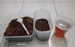 Tembakau dan cairan tembakau untuk pestisida. (dokumentasi pribadi)