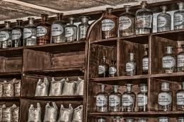 Ilustrasi obat-obatan dan ramuan tradisional. Sumber: piqsels.com