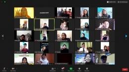 sesi foto bersama seluruh peseta webinar (dokpri)