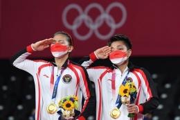 Greysia/Apriyani meraih medali emas di Olimpiade Tokyo 2020 (ANTARA FOTO/Sigid Kurniawan)