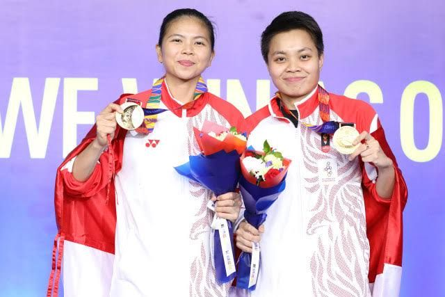 Greysia Polii dan Apriyani Rahayu sesaat memperoleh medali emas di Olimpiade Tokyo 2020 (sumber ilustrasi: kumparan.com)