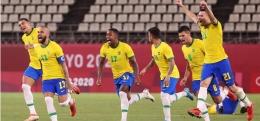 Timnas Brasil merayakan kemenangan atas Meksiko di semi final Olimpiade Tokyo| Sumber: Atsushi Tomura/Getty Images via https://olympics.com/