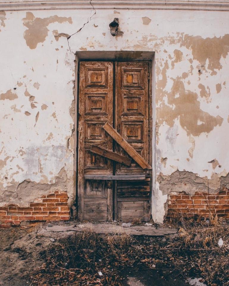 Ilustrasi pintu. Foto oleh Mikey Dabro/ Pexels
