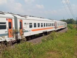 Kereta kelas ekonomi yang menjadi rangkaian Kereta Api Jayabaya. (Sumber: Dokumentasi Pribadi)