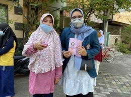 Salah satu warga RT 03 RW 10 Kelurahan Tlogomulyo yang mendapatkan sosisalisasi mengenai smoothie minuman sehat sebagai ide bisnis disaat pandemi (dokpri)