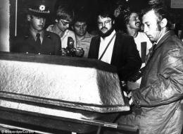 Salah satu peti jenazah atlet Israel (Sumber: HistoryCollection.com)