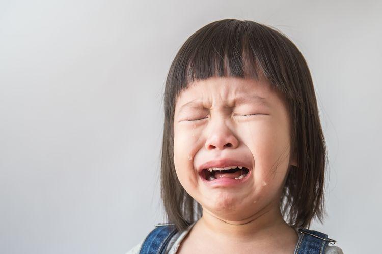 Ilustrasi anak menangis, emosi anak, perkembangan emosi anak.(Shutterstock)