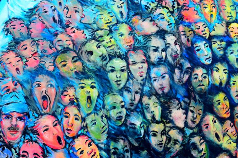 Ilustrasi seribu wajah via piqsels.com