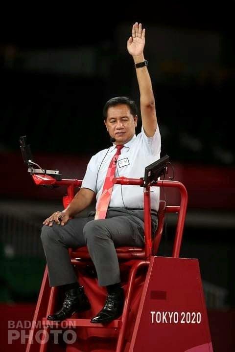 Wahyana yang jadi wasit pada final tunggal putri bulutangkis Olimpiade Tokyo|Foto: Istimewa, dimuat jogja.idntimes.com