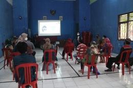 Kegiatan Edukasi Pentingnya dan Efek Samping Vaksin Covid-19 Pada Pelaku UMKM Kel. Rowosari, Kec. Tembalang, Kota Semarang (Dokpri)