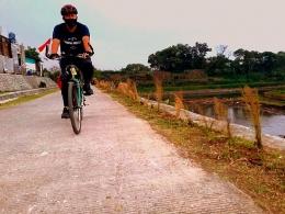 Bersepeda Susur Bantaran Sungai. Foto: Cuham