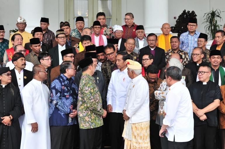 Presiden Jokowi saat menemui para pengurus Forum Kerukunan Umat Beragama (FKUB) di Istana Bogor, Senin (18/3/2019). (Foto: Jay/Humas Setkab)
