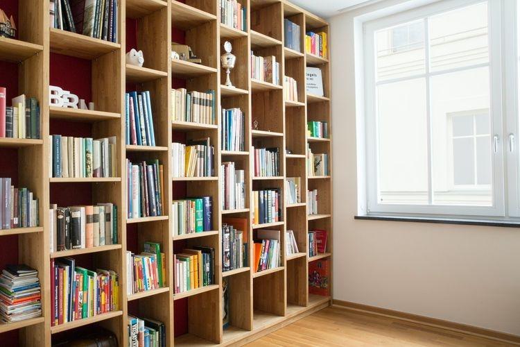 Ilustrasi perpustakaan. Foto: UNSPLASH/PICKAWOOD via Kompas.com