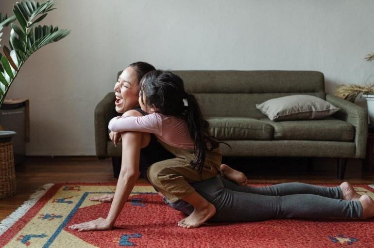 Kesehatan dan keseimbangan hidup   Foto oleh Ketut Subiyanto dari Pexels
