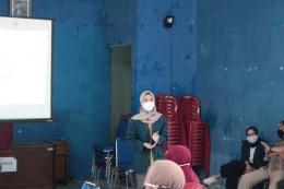 Presentasi dan Pemutaran Video Terkait Vaksin Covid-19 (Dokpri)