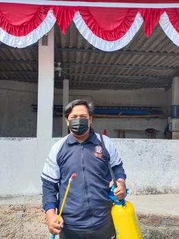 Penyemprotan disinfektan di lingkungan sekitar (dokpri)