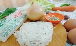 Ilustrasi mie shirataki, tersedia dalam kemasan basah dan kering | Foto Seliara