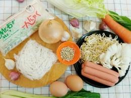 Ilustrasi mie shirataki siap dimasak bersama sayuran dan bahan lainnya |Foto Seliara