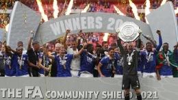Leicester City merayakan gelar Community Shield 2021. (via Getty Images)