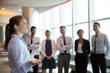 Pemimpin Wanita. Sumber: https://www.grid.id/read/042532616/ini-kelebihan-perempuan-kalau-jadi-pemimpin-nomor-3-paling-penting?page=all