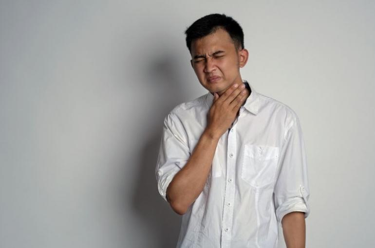 Sakit Tenggorokan/ Sumber: www.freepik.com