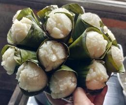 Gambar 10, hmmmm, apem contong sungguh yummy dan sedap [Foto: Siti Nazarotin]