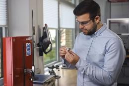 Membuat LEGO Dari Plastik Daur Ulang   Sumber Foto: The LEGO Group