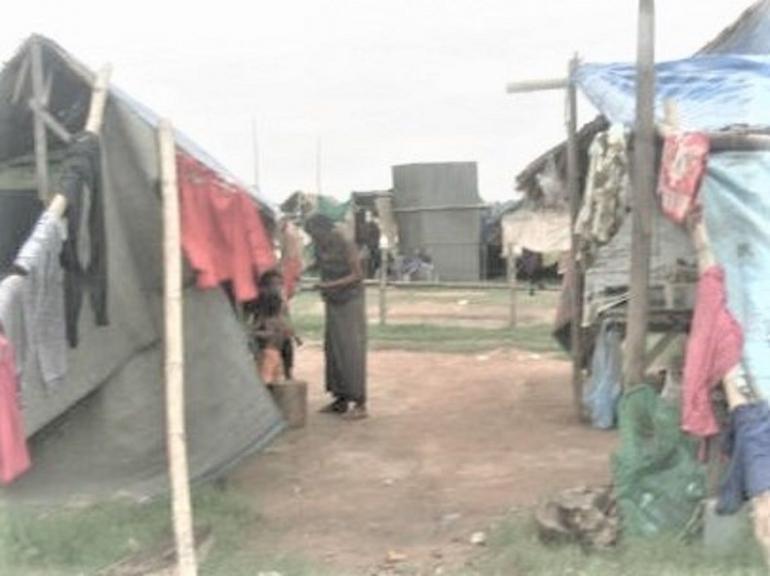 Bagi orang yang tinggal di tenda ini, uang 50 ribu rupiah sangat berarti/dokumentasi pribadi