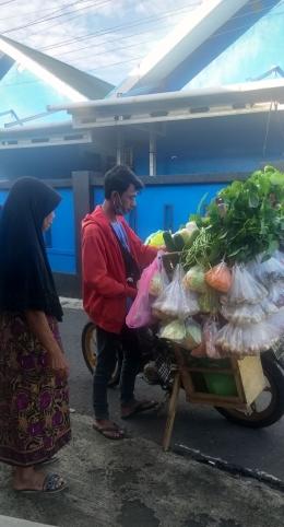 Salah satu pedagang sayur Keliling (Dokpri)