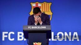 Barcelona mengatakan tidak ada cara untuk menyamakan lingkaran keuangan dan mempertahankan Messi (Pau Barena/AFP)