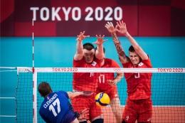 Pemain ROC, Pavel Pankov (11) dan Ivan Iakovlev (9) melakukan block| Sumber: en.volleyballworld.com