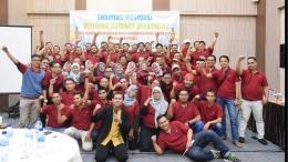 Motivator Karyawan Coach Wahyudi SMT bersama karyawan PT. YMPI Pasuruan (Dokumentasi Pribadi Penulis)