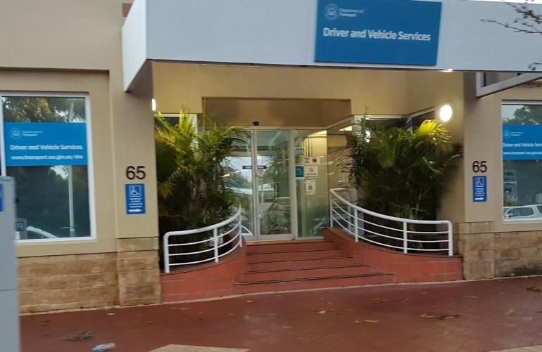 kantor RTA tempat pengurusan SIM. (dok pribadi)