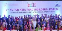 Bersama tim AMAN Indonesia di Conference Internasional (Foto, Ahyarros)
