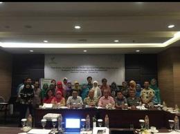 Bersama teman-teman Wahid Foundation (Foto Ahyarros)