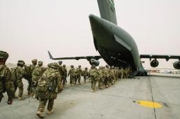 Tentara Amerika meninggalkan pangkalan Kandahar. Photo: see.news