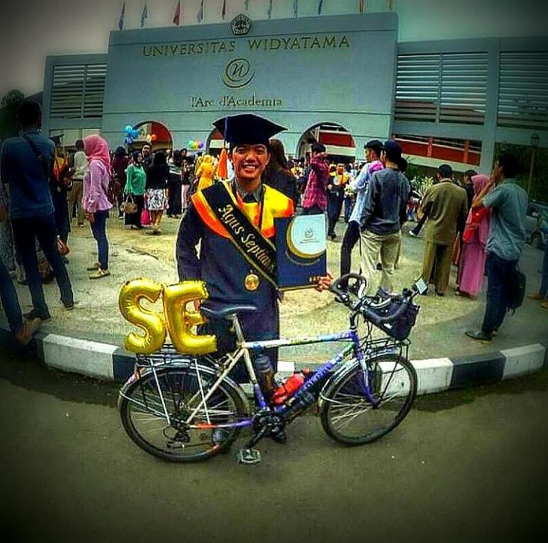 Bike to Wisuda. Foto : SiMengkol Federalove
