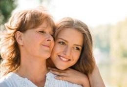 Ilustrasi anak dan ibunya (dokumen shutterstock via suara.com)
