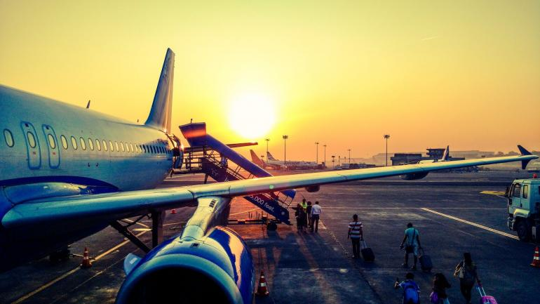 Terbang di masa PPKM Level 4 (Foto: Anugrah Lohiya/Pexels.com)