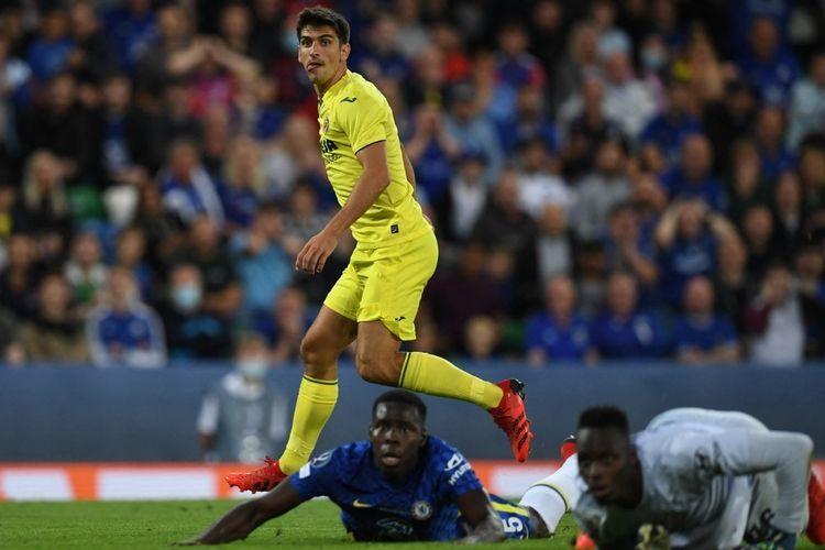 Aksi penyerang Villarreal Gerard Moreno (kuning) saat laga lawan Chelsea di Piala Super Eropa. Chelsea berhasil menjadi juara. Foto: AFP/PAUL ELLIS dipublikasikan kompas.com