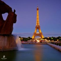 Menara Eiffel jelang malam, difoto dari arah Trocadero. Sumber: dokumentasi pribadi